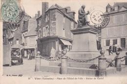 VIRE  -  Place De L' Hôtel De Ville  -  Statue De Castel - Vire