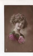 Fillette Avec Rose - Portraits