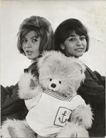 """PHOTO CHANTEUSES """" LES MITOUFLE""""  ANNEE 1964 - Célébrités"""