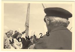 BRETAGNE LE GUILVINEC 1952 PROMENADE EN BATEAU BIGOUDENS - PHOTO 10x6,5 Cms - Lieux