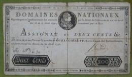 Rare Assignat 200 Livres Portrait De Louis XVI Du 31 Aout 1792 Cf Lafaurie N°158 Mention Au Dos - Assignats & Mandats Territoriaux