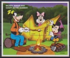 2467  -  GHANA - Disney - 1997 - Mickey , Minnie And Goofy In The Summer . - Disney