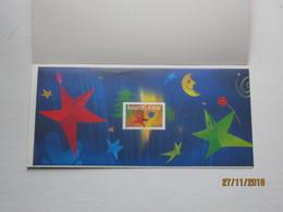 LE : N° 3 , Meilleurs Voeux , étoile Personnage Avec Fleur  , 2004 - Bloques Souvenir