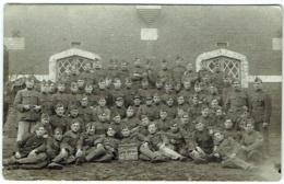 Carte Photo. Militaria. Groupe De Soldats. Classe 1916. - War, Military