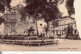 L 001 Panama, Cathédrale Et Plaza - Panama