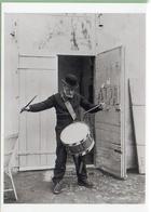 Ferdinand Hodler Joue Du Tambour   Voir Verso  Format10/15 - Altri