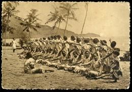 Cpa Océanie Samoa Dans De Femmes - Siva -  Missions Maristes D' Océanie       AG15 25 - Samoa