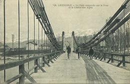 CPA De GRENOBLE - Le Pont Suspendu Sur Le Drac Et La Chaine Des Alpes. - Grenoble