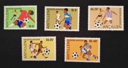 Antillen - Voetbal / Football Nrs. 805/809 (1985) - Antilles