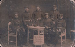 CARTE PHOTO Postée à LÖWENBERG 1915 Die Lustiger Elsässer 1895 Ziger Löwenberg Sdt Soldats - Löwenberg