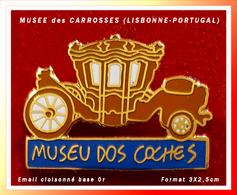 SUPER PIN'S MUSEE Des CARROSES : Situé à LISBONNE Au PORTUGAL Ce Musée Est Consacré Aux Véhicules HYPPOMOBILES - Transports
