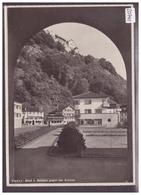 GRÖSSE 10x15cm - VADUZ - BLICK VON RATHAUS GEGEN DAS SCHLOSS - TB - Liechtenstein
