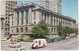 Tacoma: DIVCO DELIVERY TRUCK, PONTIAC '42, GMC COE '51, GMC '51 - Post Office - (Washington, USA) - Toerisme