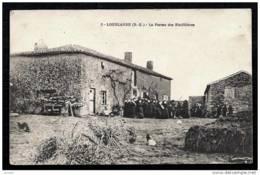 CPA ANCIENNE FRANCE- LOUBLANDE (79)- LA FERME DES RINFILLIERES EN GROS PLAN- BELLE ANIMATION- VOLAILLES- PILE DE FUMIER - Frankreich