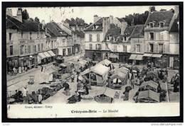 CPA ANCIENNE FRANCE- CRÉCY-EN-BRIE (77)- LE MARCHÉ EN TRES GROS PLAN- BELLE ANIMATION- STANDS- COMMERCES FIXES - Frankreich
