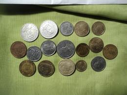 PARAGUAY. LOT DE 17 PIECES DE MONNAIE DIFFERENTES. 1975 / 2004 - Paraguay