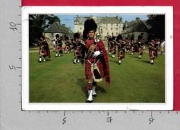 CARTOLINA VG REGNO UNITO - Pipeband - Traquair House - The Scottish Borders - Scotland - 12 X 17 - ANN. 1997 - Regno Unito