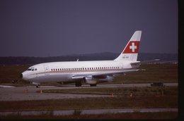 SLIDE / AVION / AIRCRAFT   KODAK  ORIGINAL  B 737 200   HB-IEH - Dias