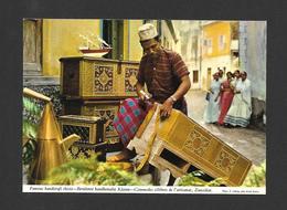 ZANZIBAR - AFRICA - AFRIQUE - FAMOUS HANDICRAFT CHESTS ZANZIBAR - PHOTO E. LUDWIG - BY JOHN HINDE ORIGINAL - Cartes Postales