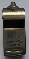 VINTAGE Police Whistle THE ACME THUNDERER WHISTLE MADE IN-ENGLAND    PLIM - Sports
