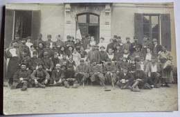 Carte Photo Hôpital Militaire Nombreux Soldats Poilus Blessés + Infirmières Et Civils Dapeau Guerre 14-18 WWI - Guerre 1914-18