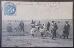 France - CPA Malo-Les-Bains - Sur Le Sable - Carte Animée, Circulée En 1904 - France