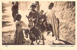 TUNISIE Lehnert & Landrock   N° 2560 SERIE VI  Paysages  D'Orient Les AMIES (enfants ) *PRIX FIXE - Tunisie