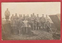 CPA: Valenton ? (94) Carte-photo - Travaux Pendant La Guerre 14/18 - Valenton