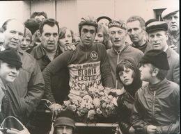 HOUTHULST   1973  FOTO 10 X 6 CM - GILBERT DIRK IN NIEUWELINGENWEDSTRIJD - Houthulst