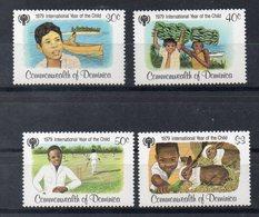 DOMINIQUE  Timbres Neufs ** De 1979  ( Ref 5835 )  Année De L'enfant - Dominica (1978-...)
