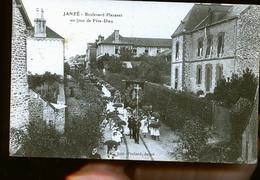 JANZE DEFILE - France