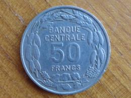 ETAT DU CAMEROUN : 50 FRANCS 1er JANVIER 1960 ( PAIX - TRAVAIL - PATRIE ) - Cameroun