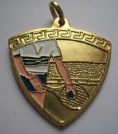 Médailles Récompenses  - TENNIS - Ou AMITIÉ - VICTOIRE - FAIR PLAY - à L'unité : 1 € A VOIR - Tennis