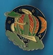 PIN'S //  ** MONTGOLFIERES / DANS L'ESPACE ** - Airships