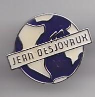 Pin's Piscine Jean Desjoyaux Artigues En Gironde Dpt 33   Réf 2431 - Steden