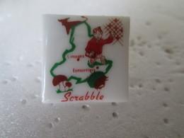 PIN'S    SCRABBLE   Porcelaine  Legle - Games