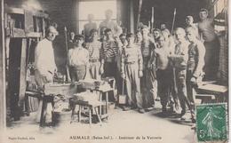CPA Aumale - Intérieur De La Verrerie (très Belle Scène) - Aumale