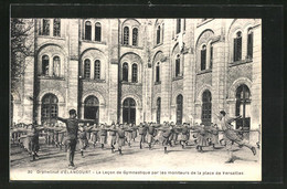 CPA Elancourt, L'Orphelinat, La Lecon De Gymnastique Par Les Moniteurs De La Place De Versailles - Versailles