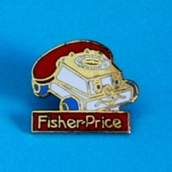 1 PIN'S //   ** JOUETS / FISHER-PRICE / CRÉE 1930 FILIALE GROUPE MATTEL ** . (K- Dane International)  ** - Games