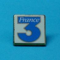 1 PIN'S //   ** TV / FRANCE3 ** . (Arthus Bertrand Paris) - Arthus Bertrand