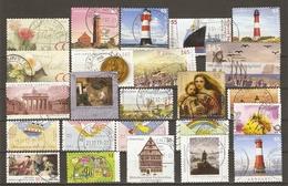 Allemagne  Après 2003 - Petit Lot De 24 Timbres° - Noël - Phare - Rose - Abeille - Voeux - Châteaux - Tableaux - Vrac (max 999 Timbres)