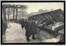 CPA ANCIENNE FRANCE- PARIS (75)- SUR LES QUAIS- LES BOUQUINISTES EN HIVER- TRES GROS PLAN AVEC ANIMATION- - Die Seine Und Ihre Ufer