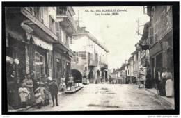 CPA ANCIENNE FRANCE-LES ÉCHELLES (73)- LES ARCADES AVEC BELLE ANIMATION GROS PLAN- COMMERCES - Les Echelles
