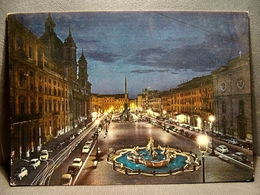 (FG.O13) ROMA Di Notte - PIAZZA NAVONA Auto Cars Voitures (viaggiata 1960) - Places & Squares