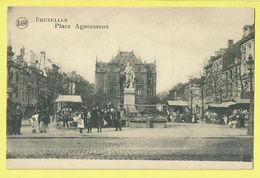 * Brussel - Bruxelles - Brussels * (Legia) Place Agneessens, Marchands, Marché, Markt, Animée, Statue, TOP Enfants - Bruxelles-ville