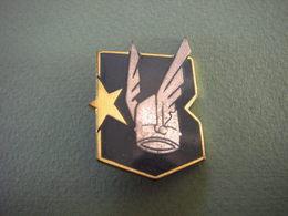 Insigne 3°Escadron D'Instruction En Vol Du Groupement Ecole 313 D'Aulnat - Airforce