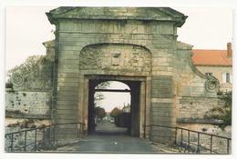 Photo  ( 14 X 9.5 Cm ) Porte Ile D'Aix ?? - Lieux
