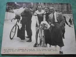 Paul CHOQUE Gagne Sa Première Course De 1/2 Fond Devant SERRES - Cyclisme