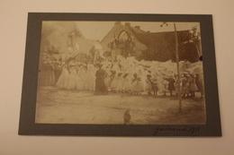 CPA CARTE PHOTO DE VACANCES ANCIENNE CARTONNEE 44 LOIRE ATLANTIQUE GUERANDE 1911 PROCESSION FEMME PETITE JEUNE FILLE - Guérande