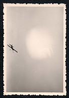B9979 - TOP Foto - Abstrakt Abstract - Schnappschuß Snapshot Modellflugzeug Sturzflug - Fotografie